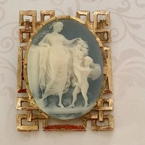 Jewelry - Vintage Interesting Blue Resin Cameo Brooch
